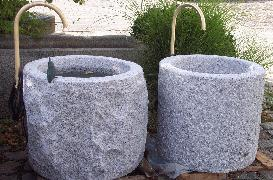 Granitbrunnen mit Umlaufsystem